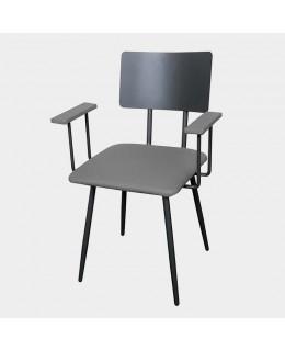 Πολυθρόνα μεταλλική με δερματίνη ή ξύλο.