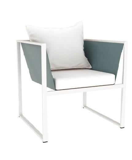 Πολυθρόνα μεταλλική με μαξιλάρι